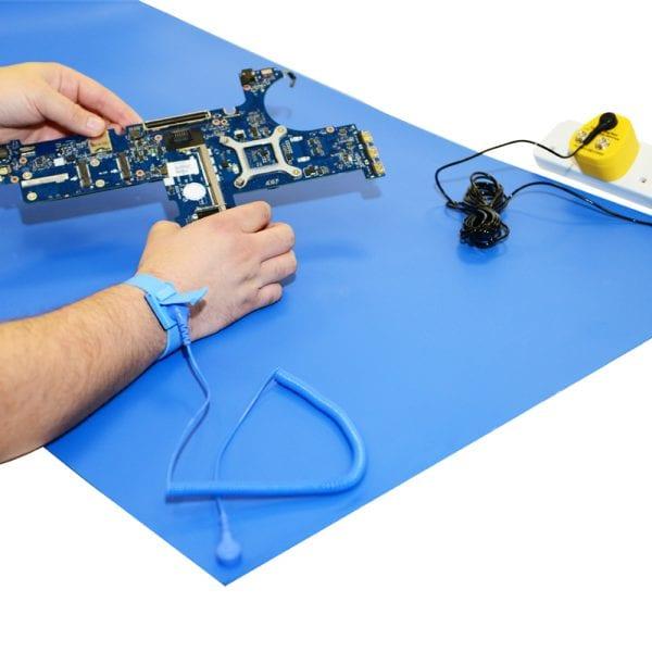 069-0012-esd-workstation-kit-blue-close-up